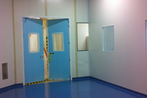 Corridor for IWKA equipment in Delpharm Bretigny